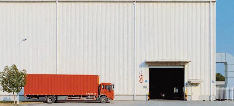 Kompanija koja organizuje kamionski prevoz