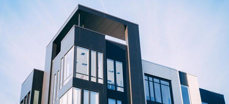Stan u visokoj zgradi