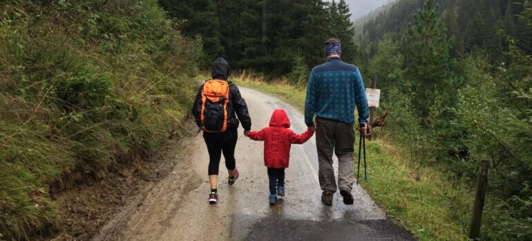 Porodica u šetnji nakon selidbe Kragujevac