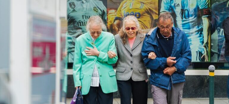 Starije osobe u društvu