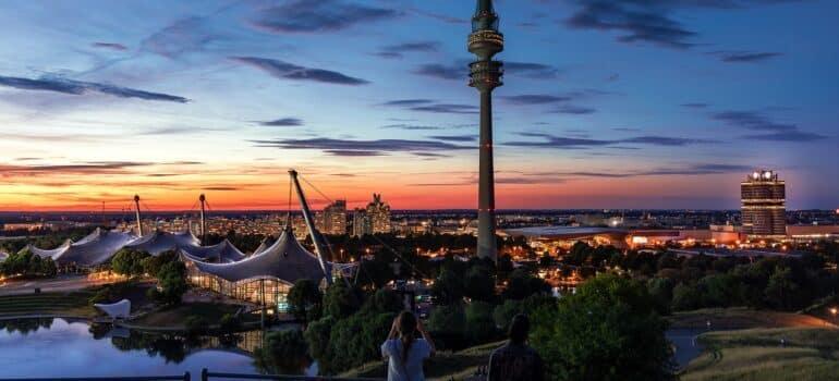 Preselite se u Minhen uz naš kombi prevoz Minhen Beograd