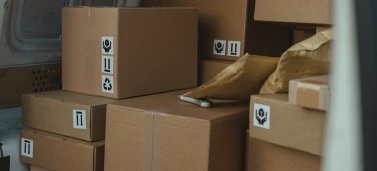 Kutije spakovane za prevoz