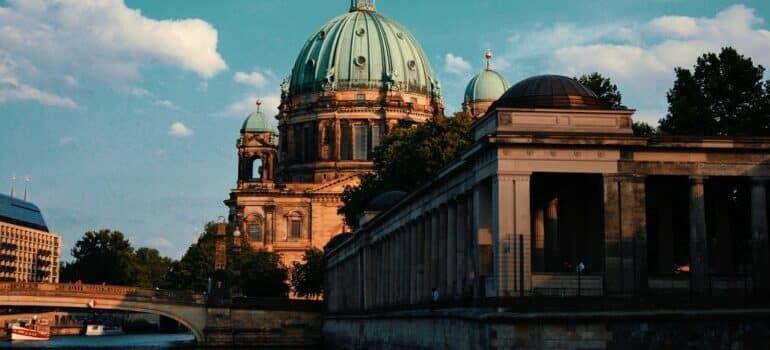 Angažujte kombi prevoz Berlin Beograd