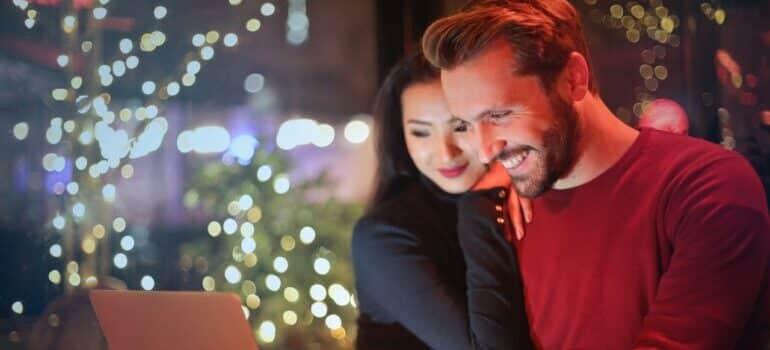 Par koji želi da rezerviše kombi prevoz Hanover Beograd