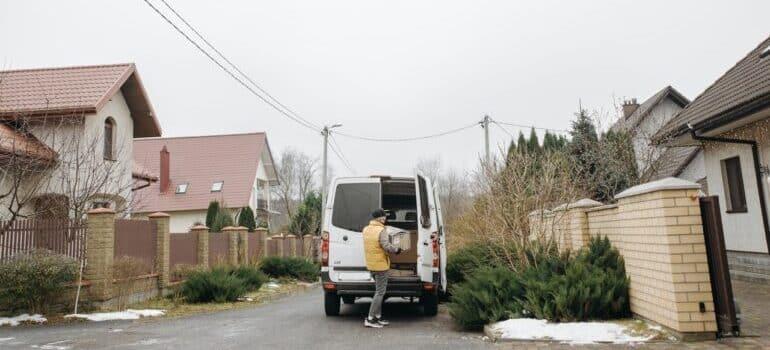 Utovar vozila za selidbu